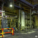 Condensers below the turbines
