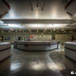 Engineering station between unit control desks