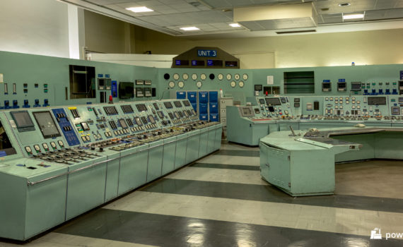 Unit 3 control desks